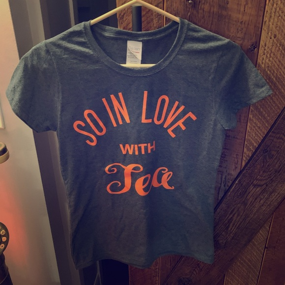 Gildan Tops - So in Love with Tea t-shirt